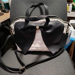 XL Betsy Johnson Shoulderbag